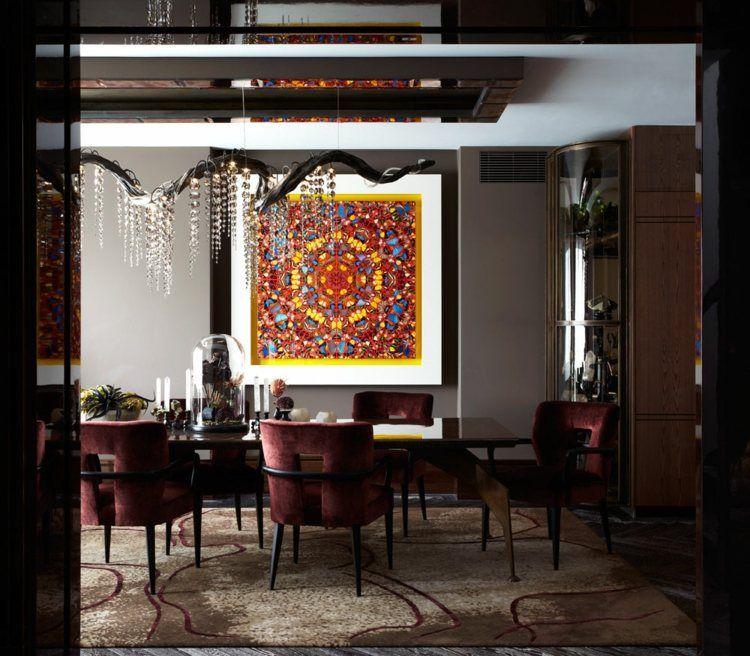 Salle Manger Contemporaine Murs Gris Anthracite Chaises En Velours Rouge Et Tableau Abstrait