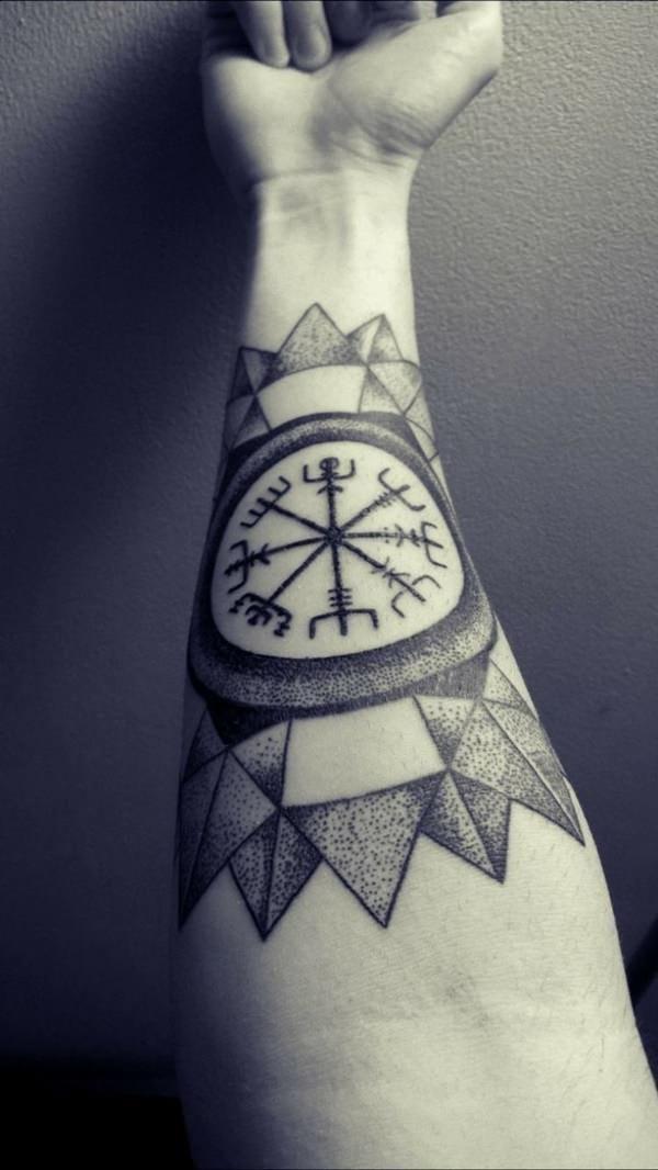 pin von julian hirt auf tattoo pinterest tattoo ideen. Black Bedroom Furniture Sets. Home Design Ideas