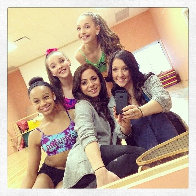 Nia maddie Kendall | Dancemommers! | Dance moms girls, Dance