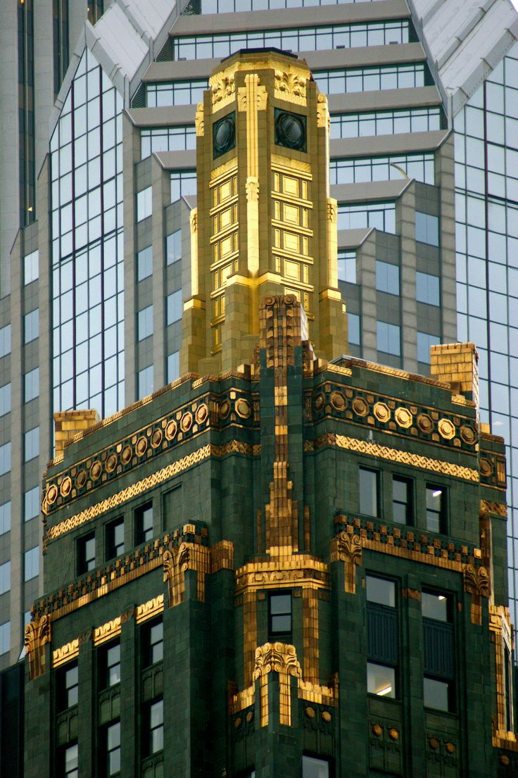 Carbide And Carbon Building In Chicago C Gina Marie Travel Chicago Art Deco Buildings Art Deco Fashion Und Art Deco Era