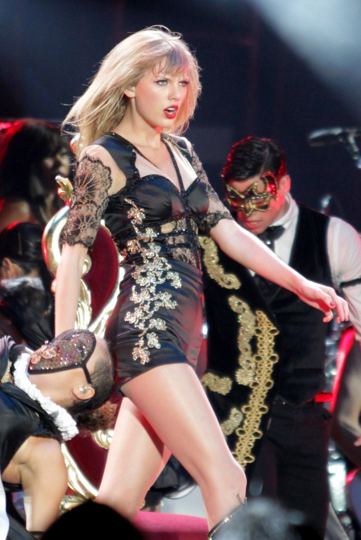 Taylor Swift RED Official Music Video | Celebrities Temple