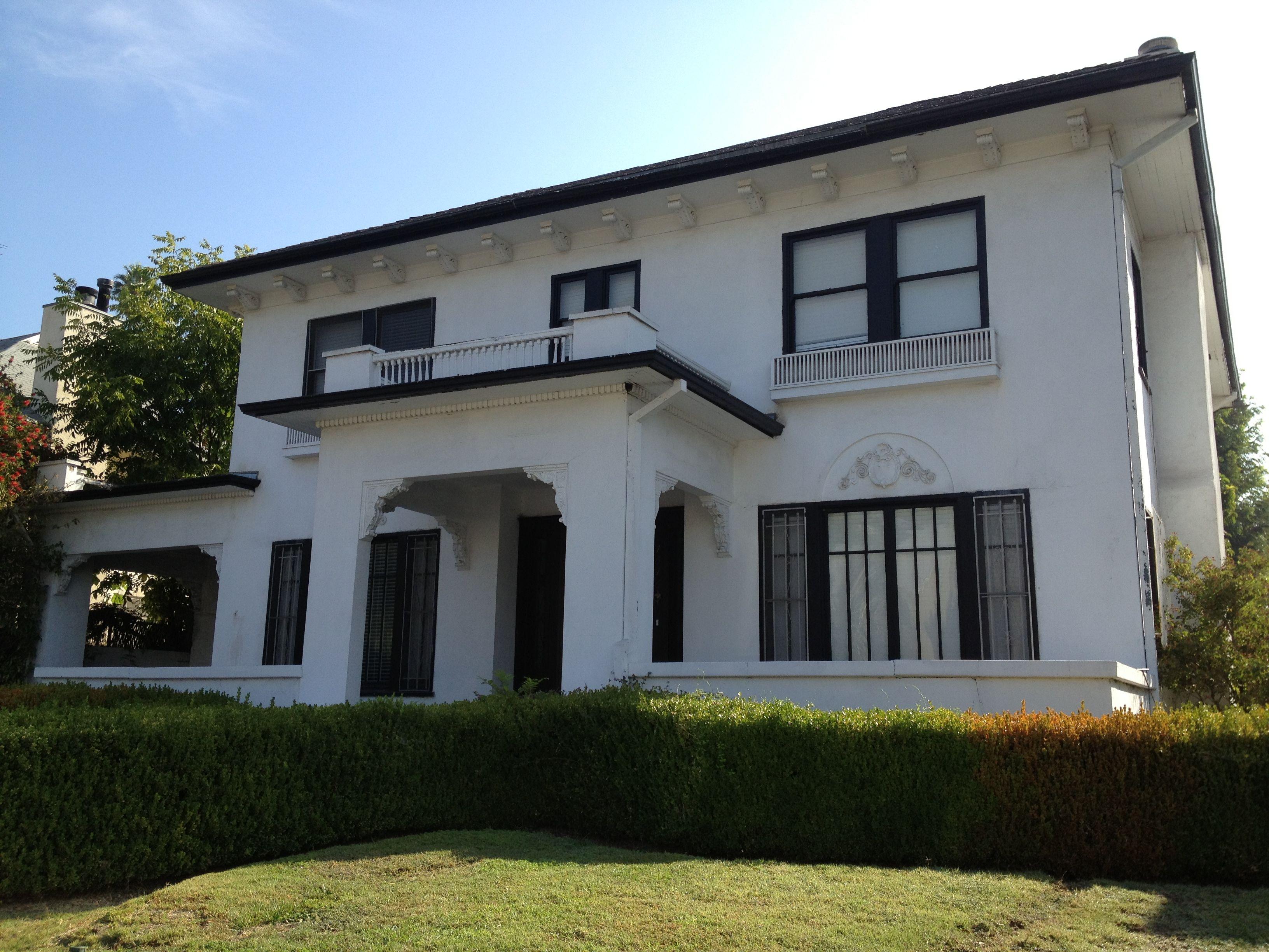 Gorgeous homes around LA teens/20's