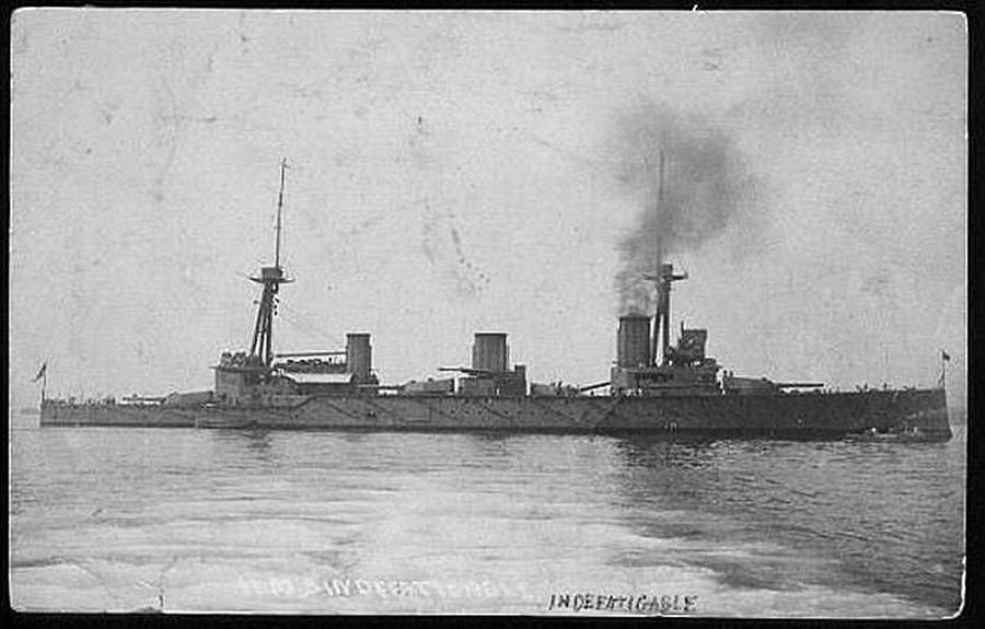 12 in battlecruiser HMS Indefatigable - lead ship of the Royal ...