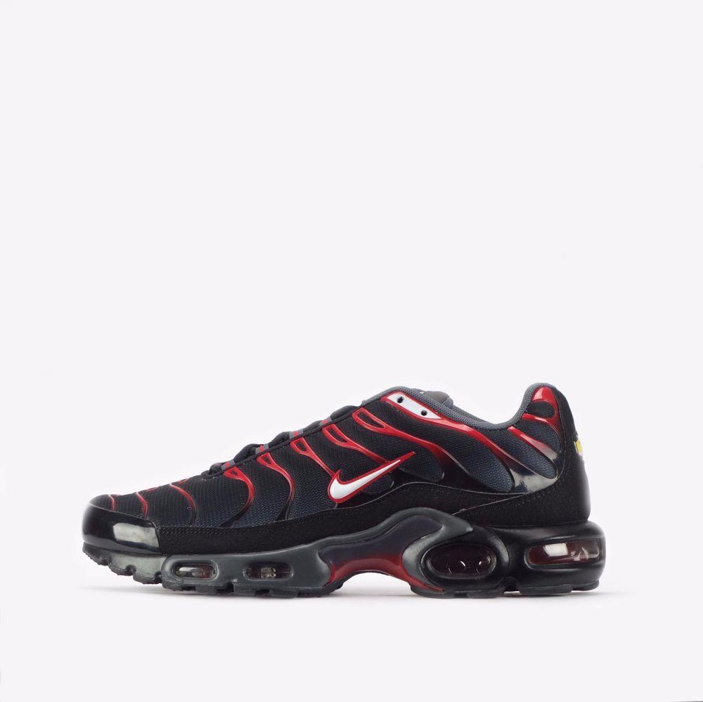 buy online 8c088 44712 Nike Air Max Plus TN Tuned Men s Shoes in Black Dark Grey  Nike