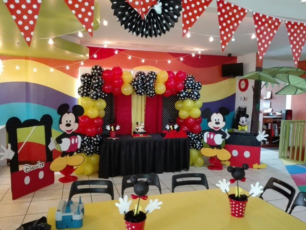 Mesa Pastel Mickey Mouse Y Decoracion Mickey Mouse Clubhouse Party Mickey Mouse Clubhouse Mickey Mouse