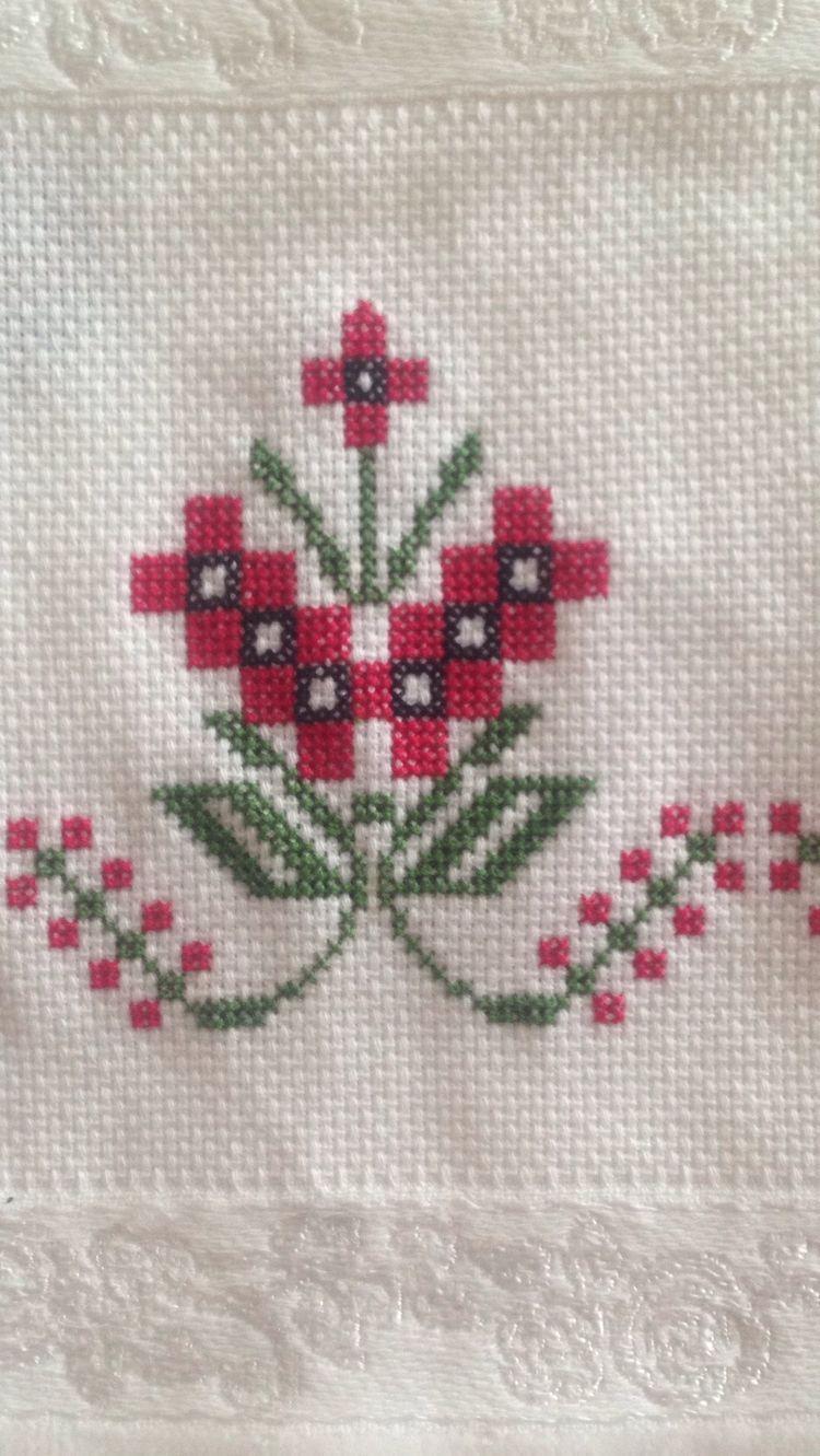 Aaaaceefbdfadbg piksel embroidery
