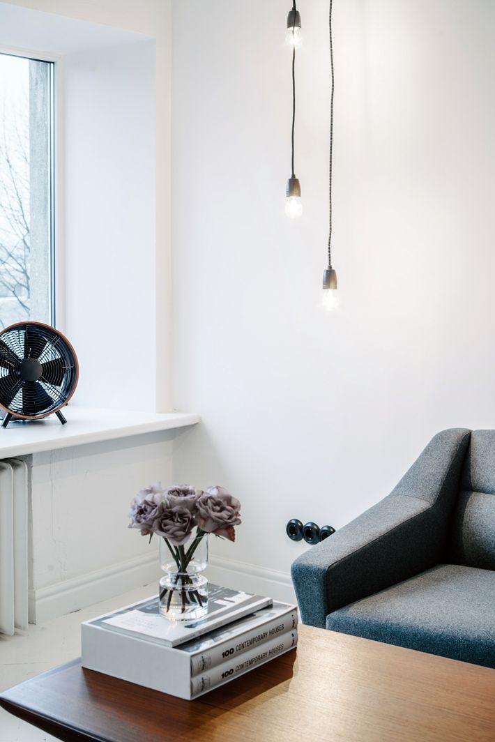 Skandinavisch Einrichten \ Wohnen Wohnzimmer mit Sofa im Retro - wohnzimmer skandinavisch einrichten