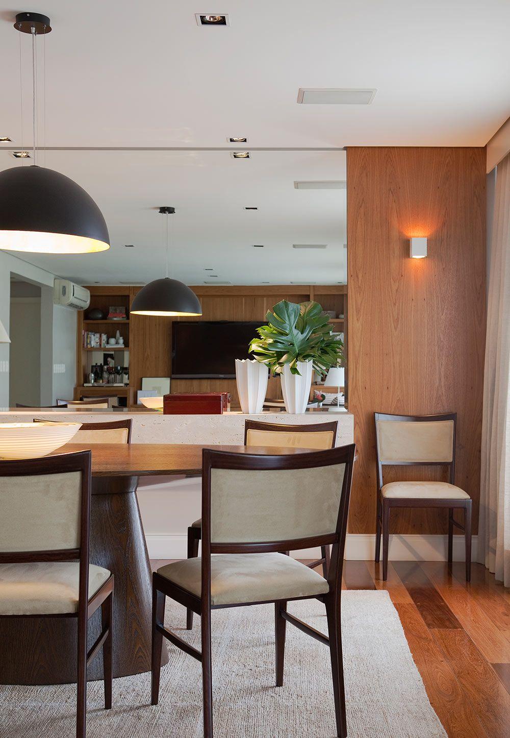 Sala de jantar moderna com mesa oval em madeira espelho for Mesas de sala modernas