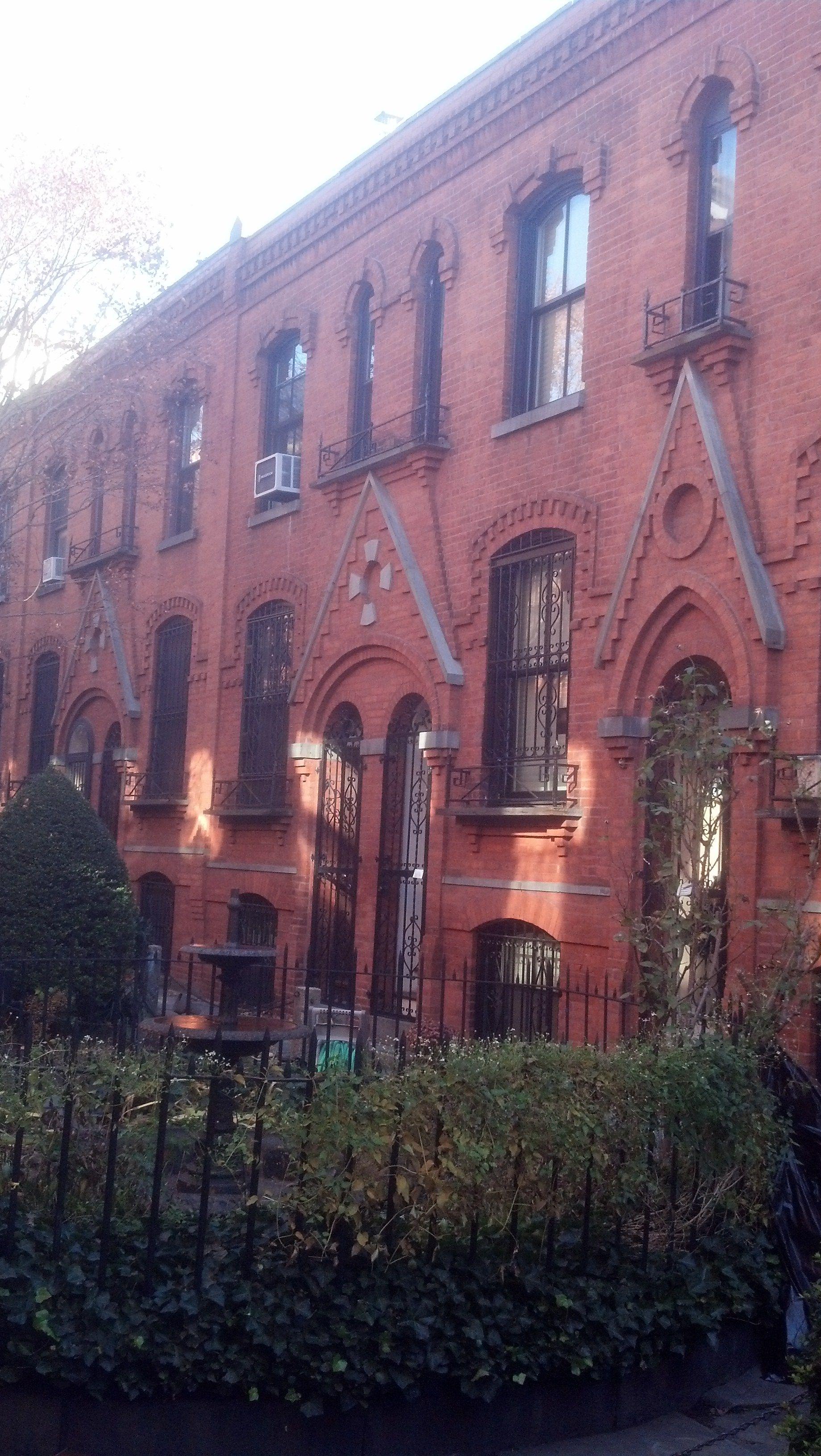 Brooklyn Mews Houses on Warren Place