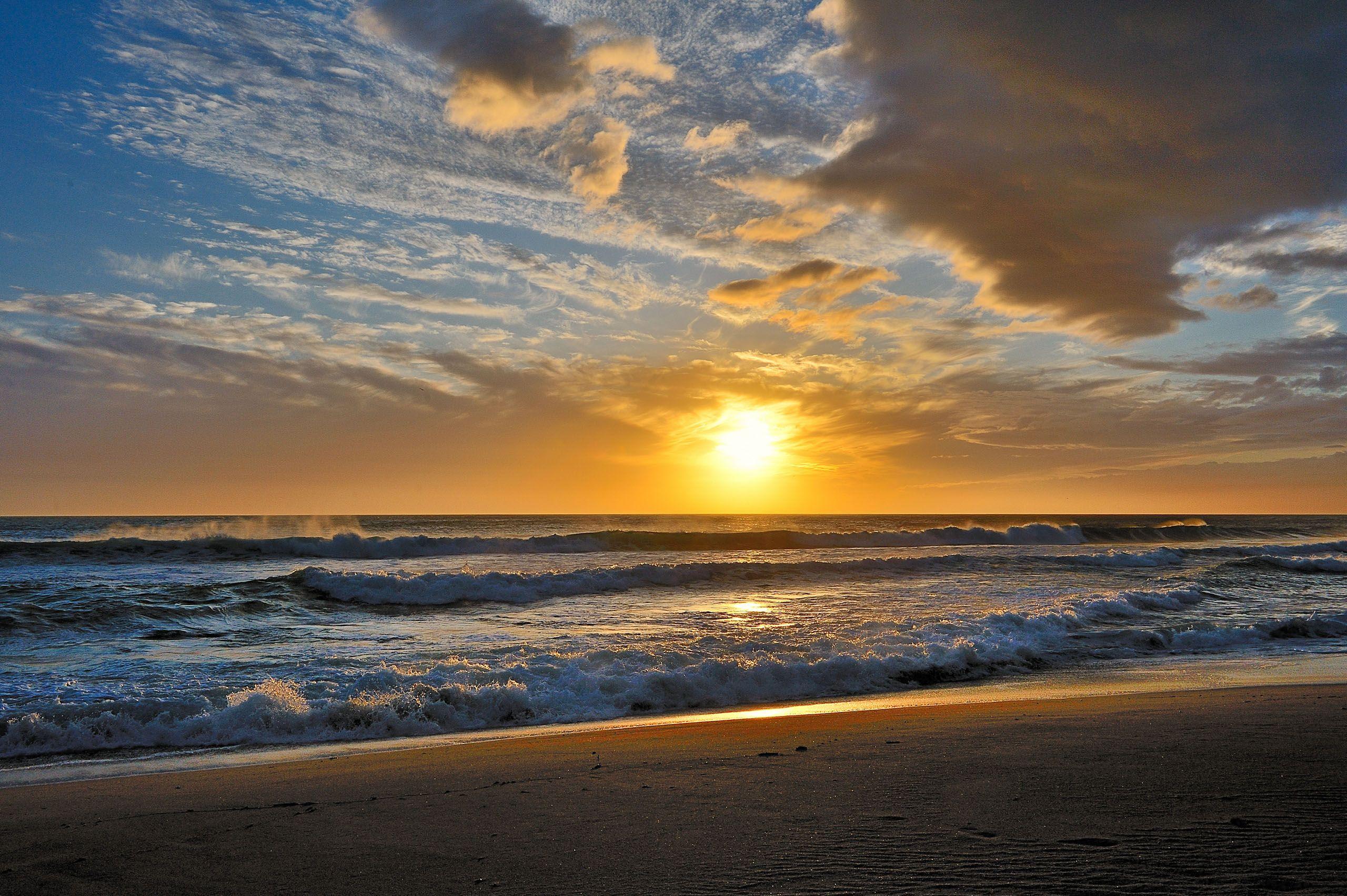 Pin By Marti On Beaches Sunset Wallpaper Beach