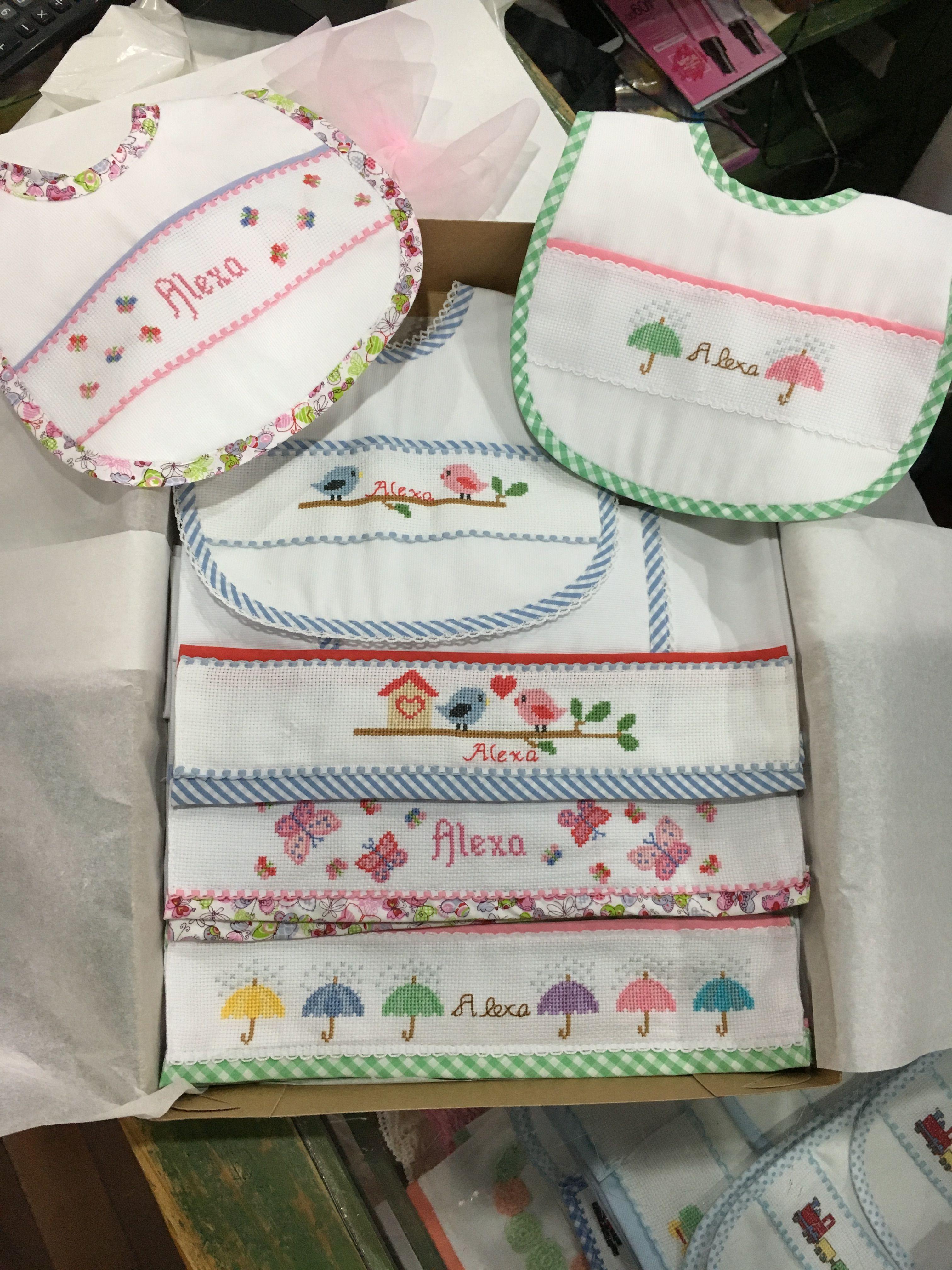 Panales Bordados Para Bebes.Panales Y Baberos Bordados A Mano En Punto De Cruz