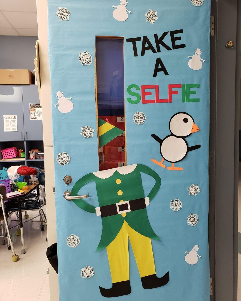 Christmas Door Decorations - Lucky Little Learners #christmasdoordecorationsforwork