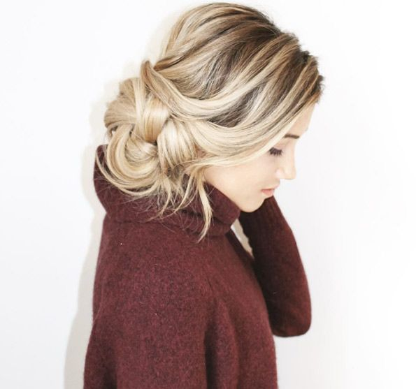 Side messy bun by Blohaute