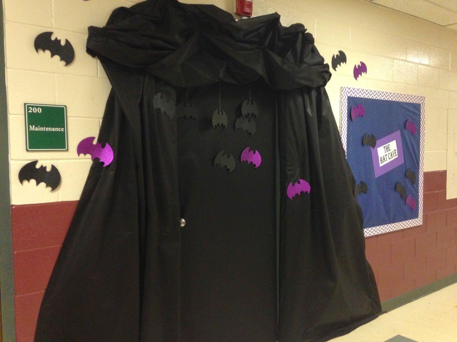 Bat Cave\ - door decoration halloween