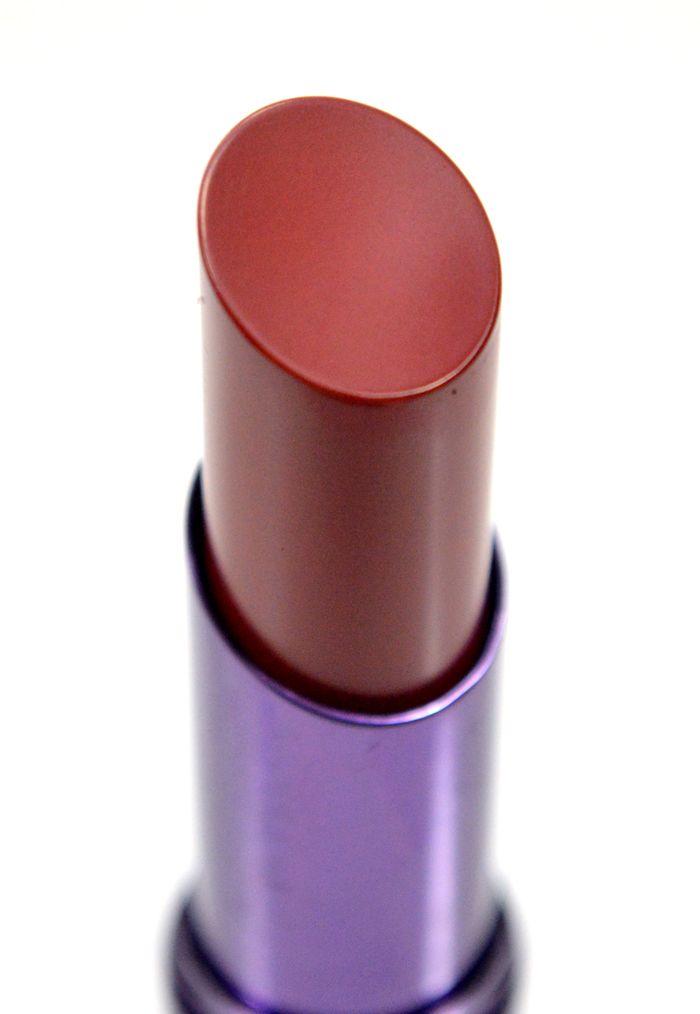urban-decay-pulp-fiction-revolution-lipstick via @hellomissniki @urbandecay #lipstick