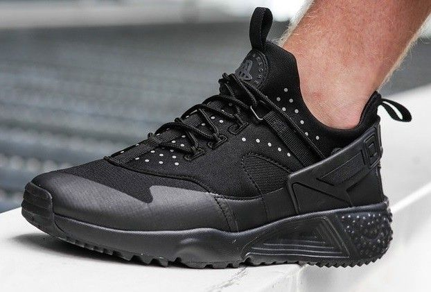 Nike Air Huarache Utility | Black on Black