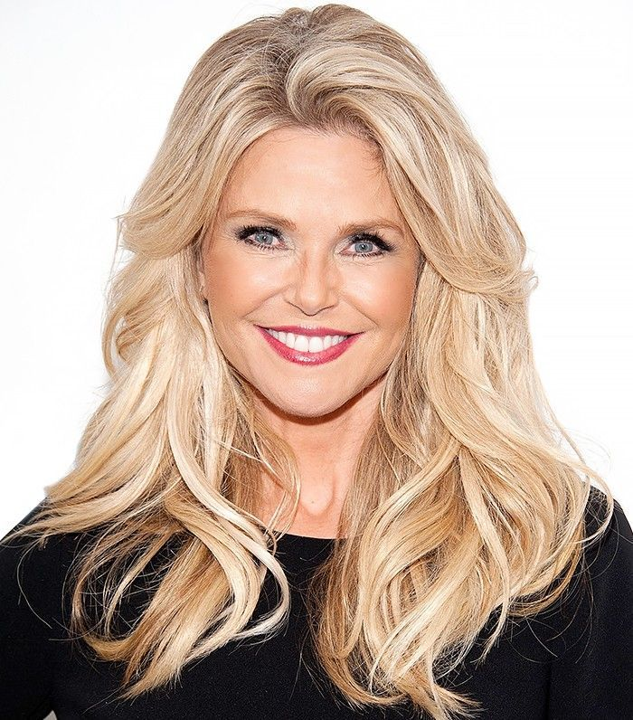 Christie Brinkley Reveals The Secret To Her Ageless Skin And Hair Over 60 Hairstyles Long Hair Styles Hair Styles