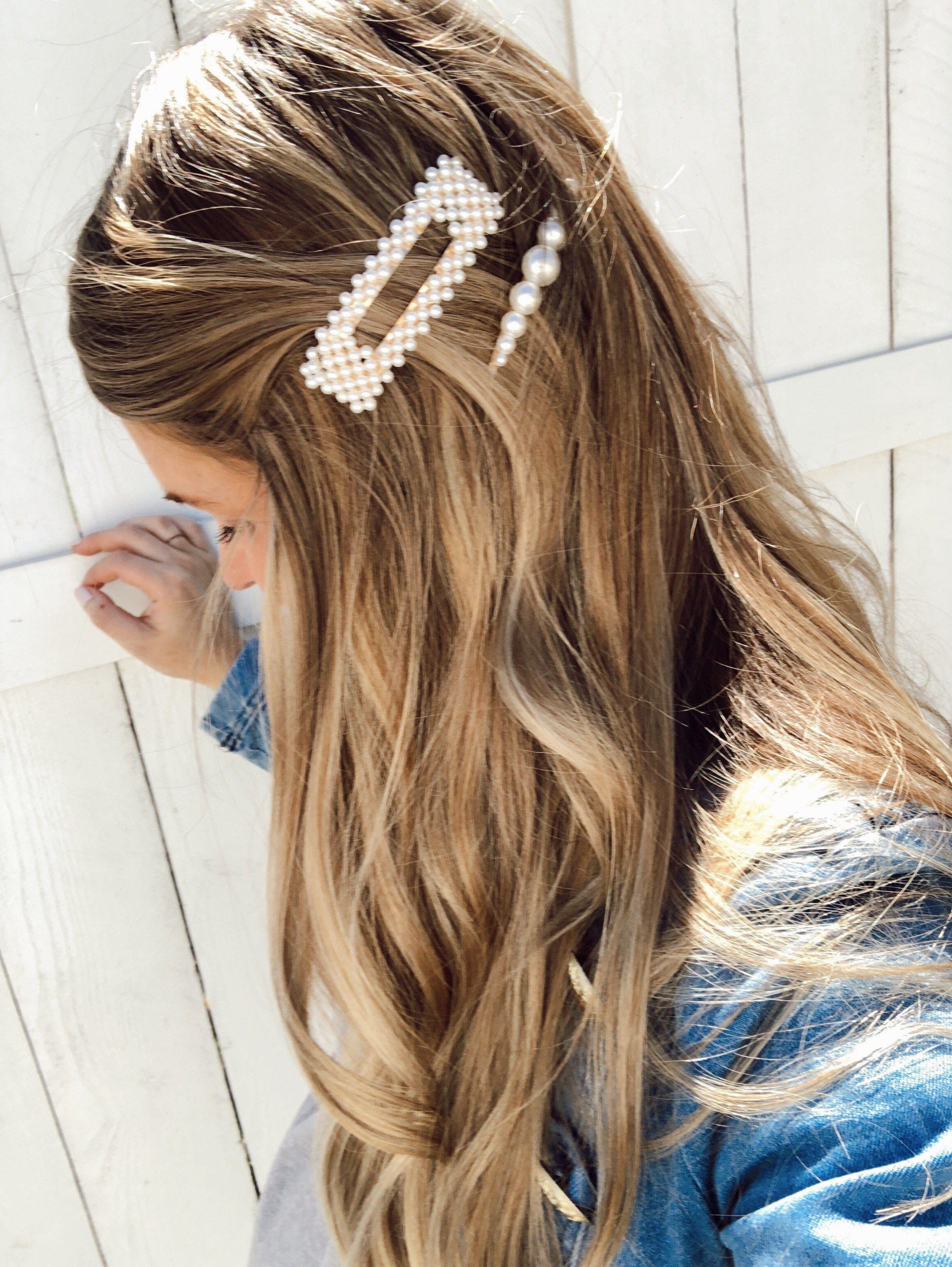 Trend Report Hair Clips Barrettes Ash N Fashn Hair Styles Hair Clips Clip Hairstyles