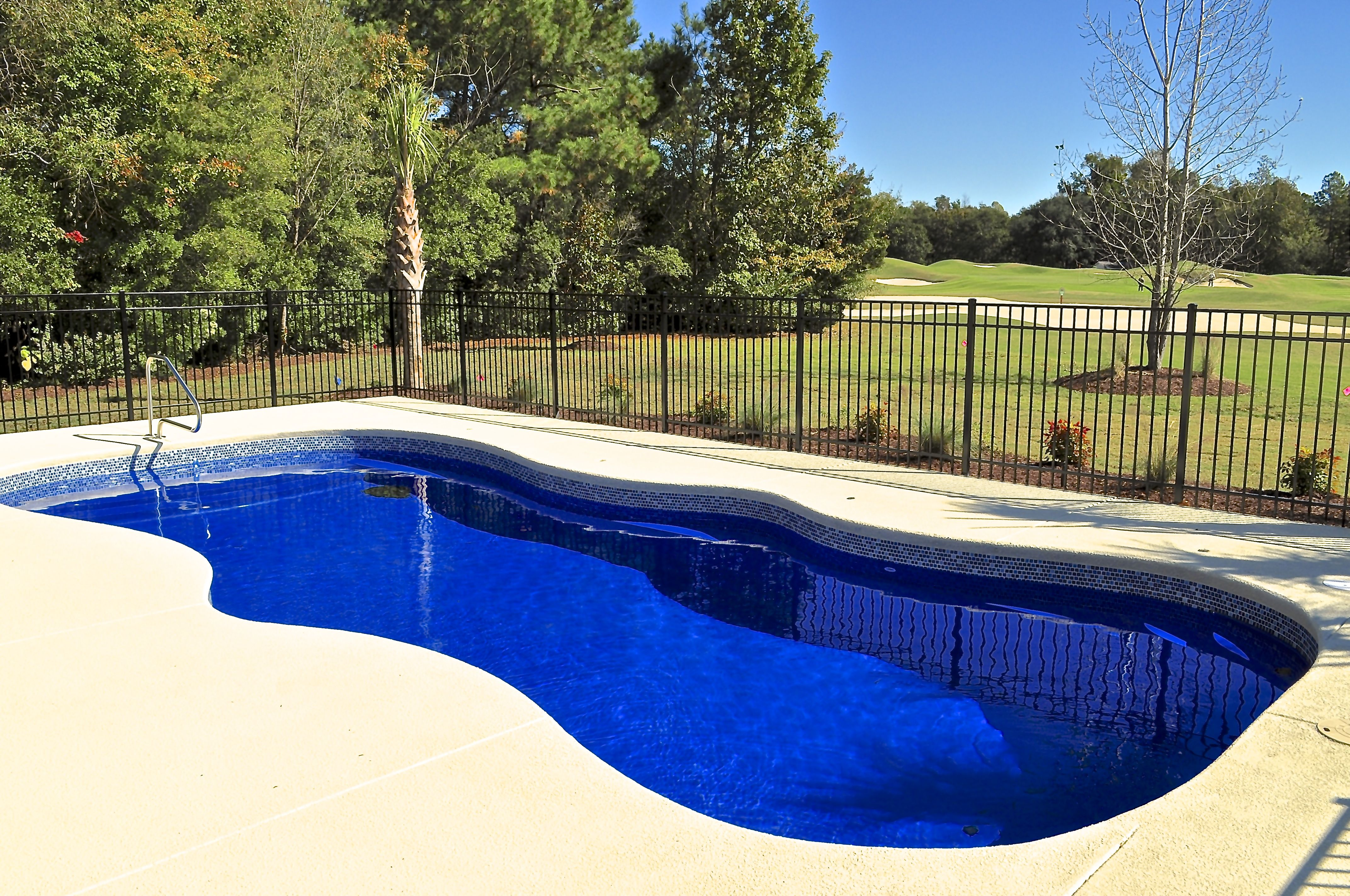 Pools4ever Is A Family Owned Fiberglass Swimming Pool Sales And Installation Company Serving Northern Virgin Pool Fiberglass Swimming Pools Swimming Pool Sales