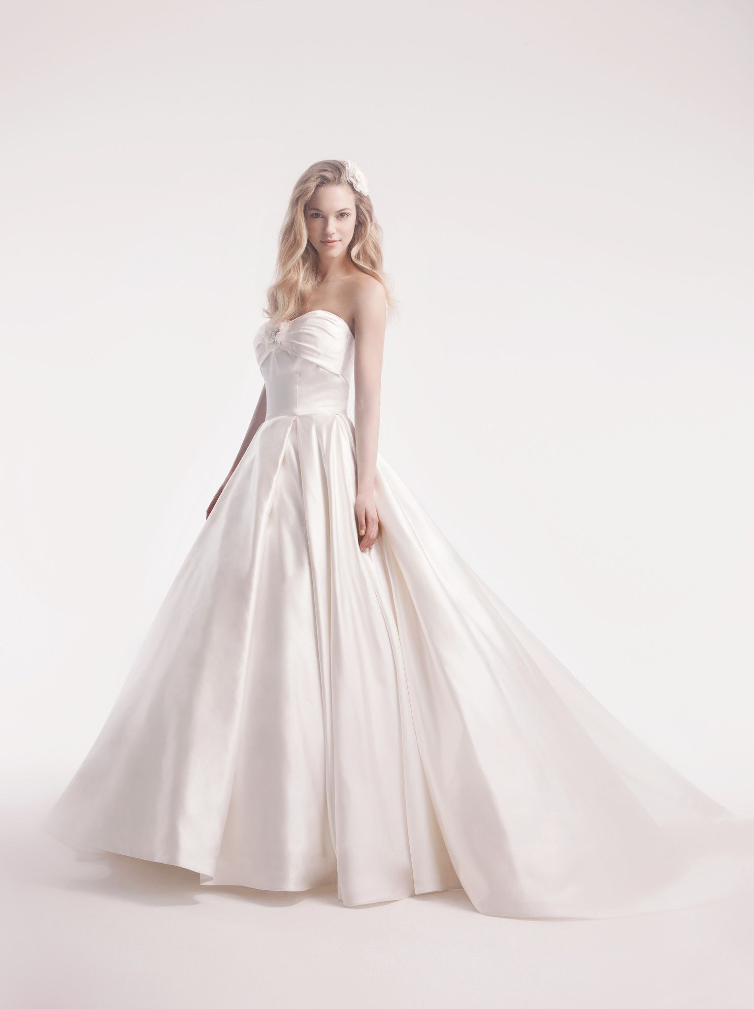 Alita Graham 7714 Satin Ball Gown #kleinfeld #ivory #sweetheart #ballgown