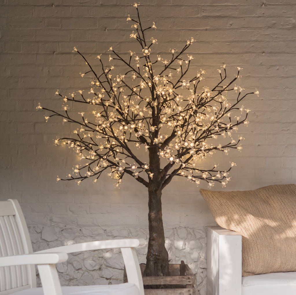 Small Illuminated LED Tree Mid White #ledtechnology