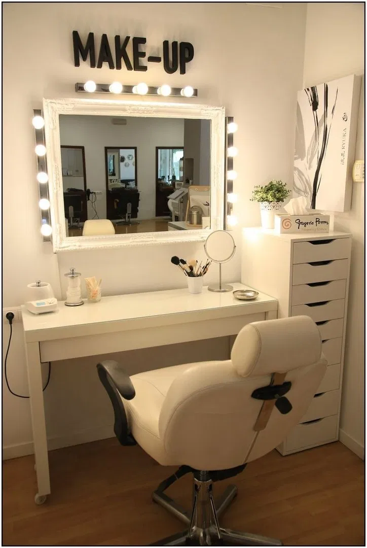136 diy makeup room ideas with design inspiration ... on Makeup Room  id=35887