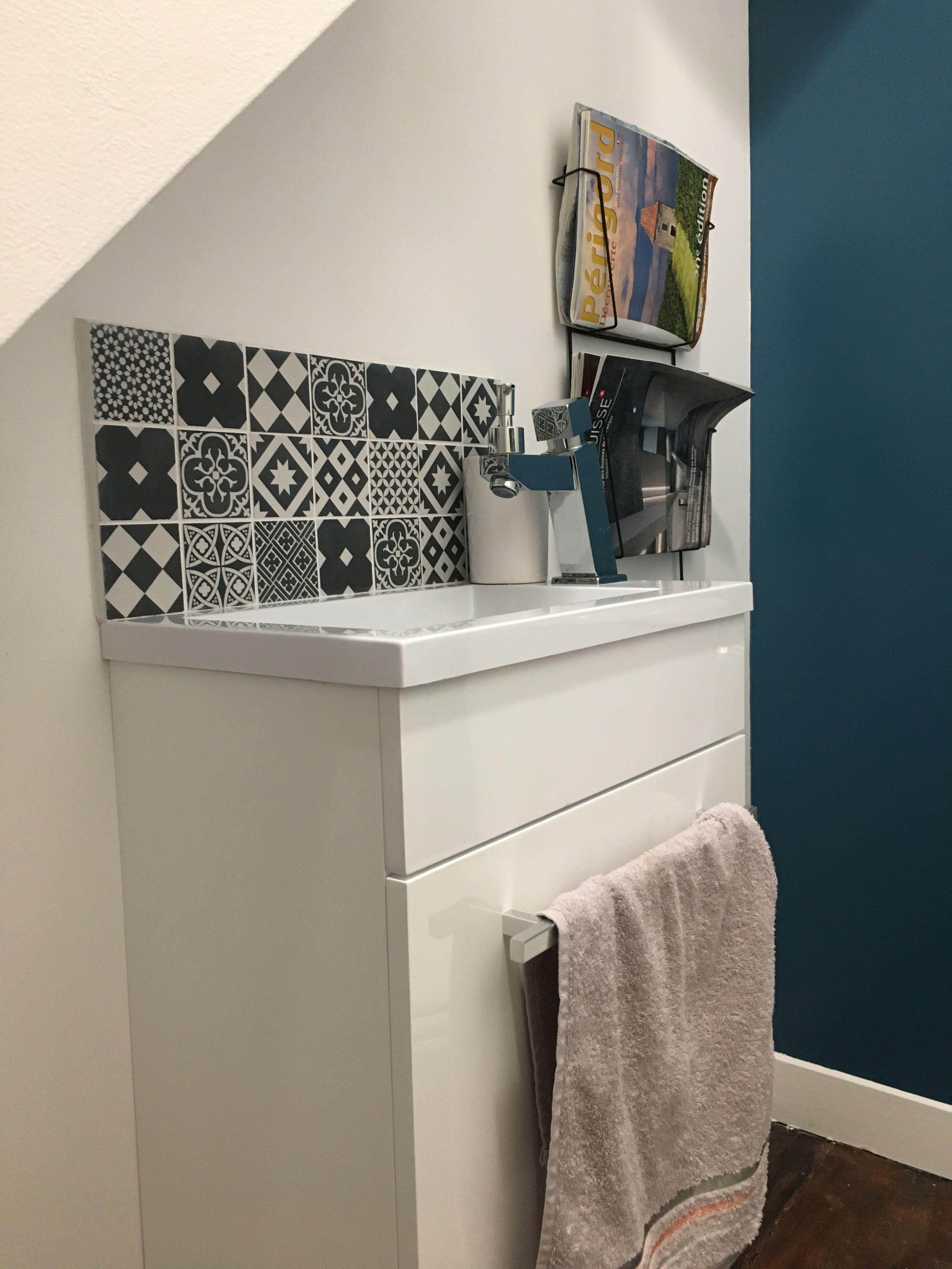 Wc Bleu Canard Noir Et Blanc Carreaux De Ciment Lave Main Deco Moderne Et Ancien Lave Main Toilette Lave Main Wc Idee Wc