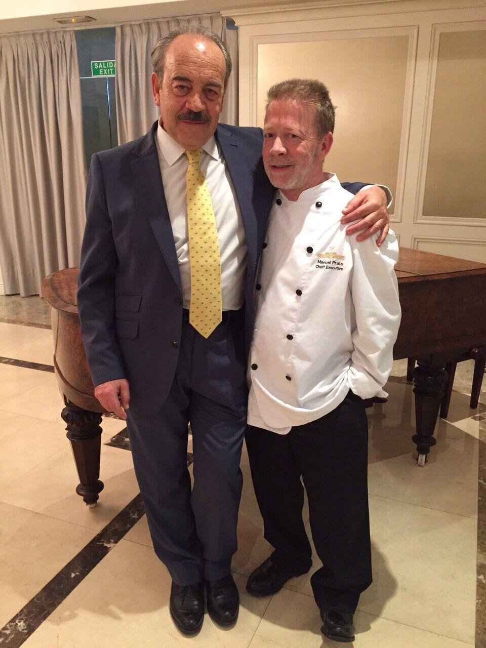 El actor Tito Valverde, con nuestro chef ejecutivo Manuel Prats