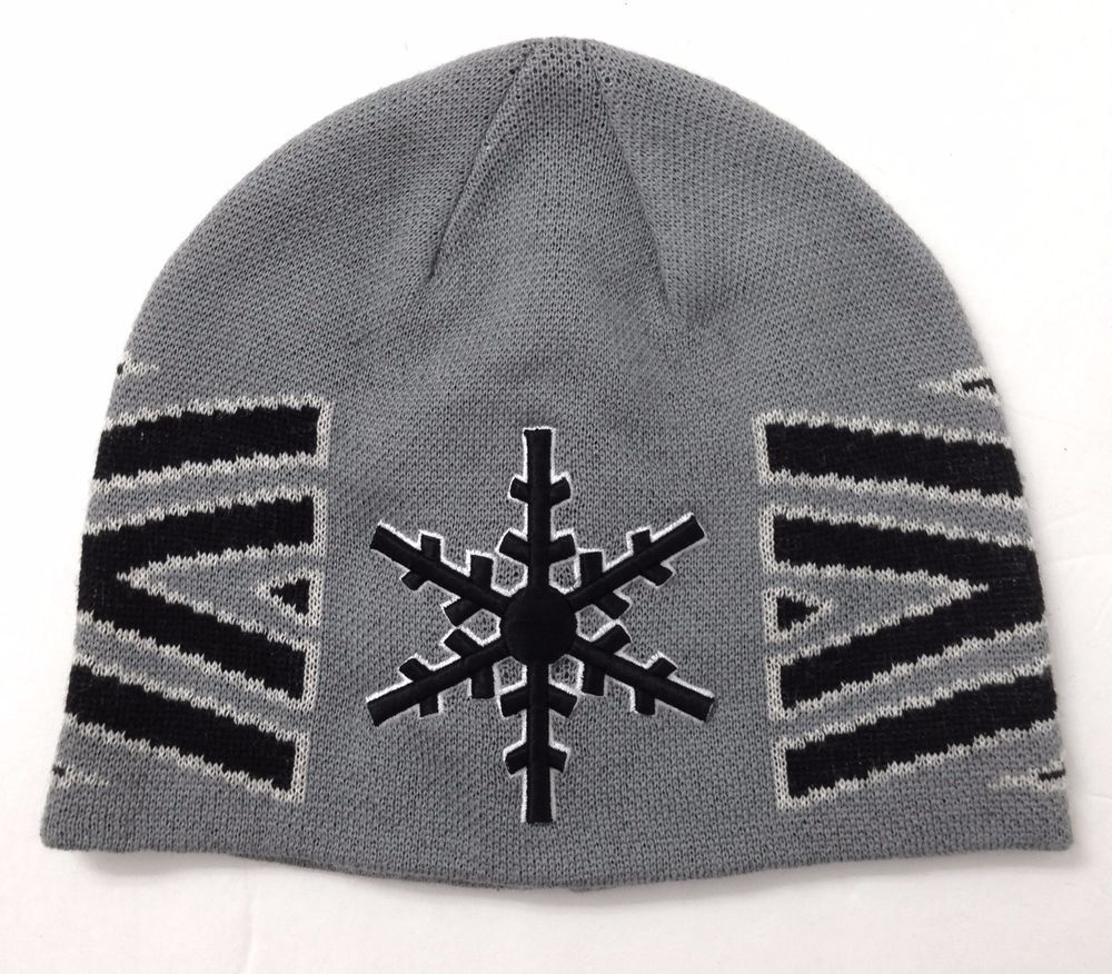 SNOWFLAKE GEOMETRIC BEANIE Gray Black White Skull Cap Winter Knit Ski Men  Women  Unbranded  Beanie 2d0e0f8e1c19