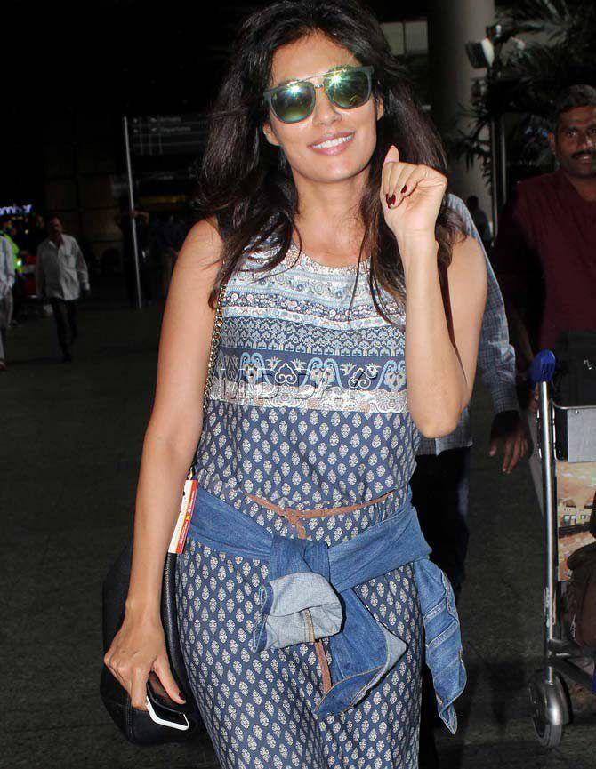 f5be2fe7961d65 Chitrangada Singh at Mumbai airport. #Bollywood #Fashion #Style #Beauty #Hot  #Sexy