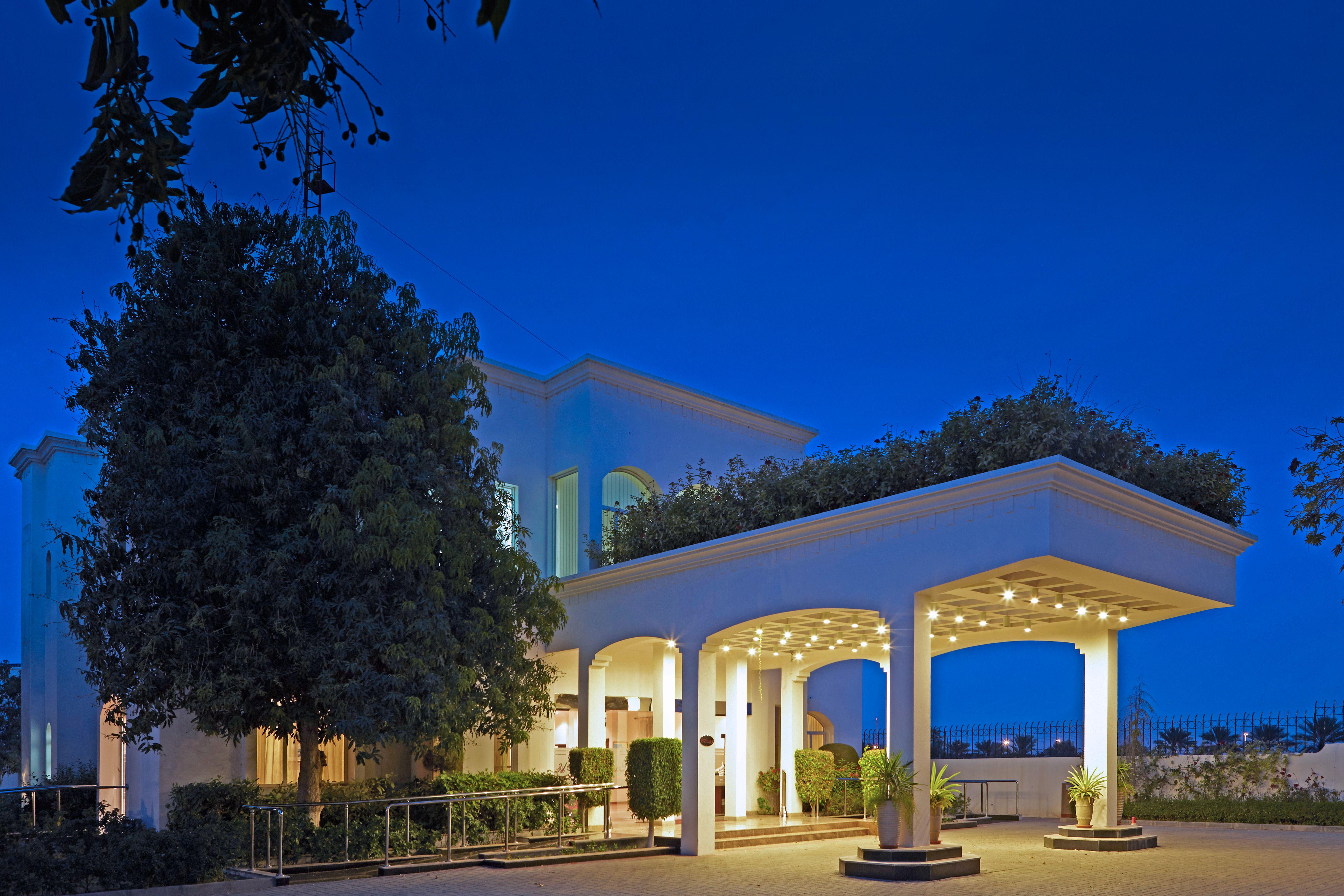 Al Nahda Resort & Spa is an island of tranquillity where