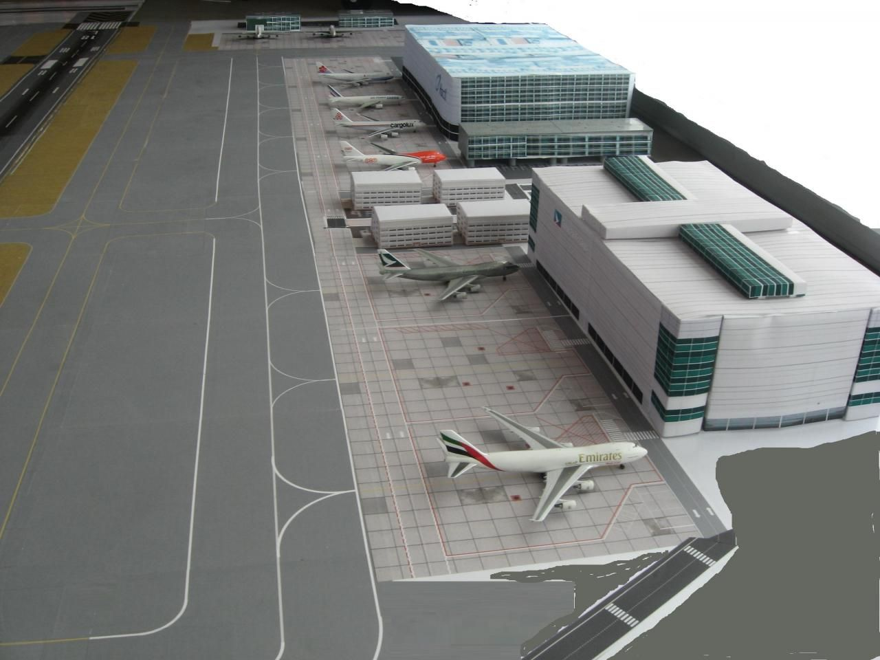 1 400 Airport Diorama Google Search Airport Model Airplanes Diorama