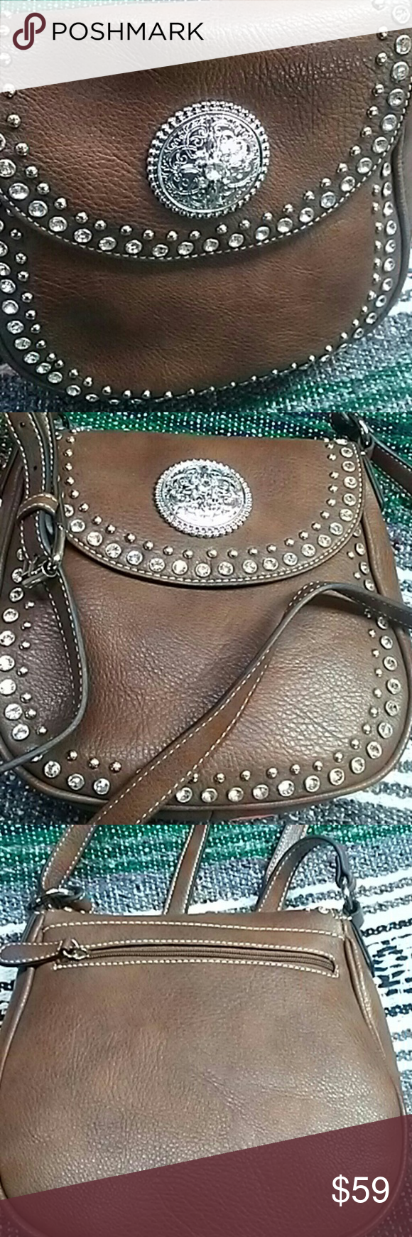 New fun sized purse not to small...not to big New Bags Shoulder Bags