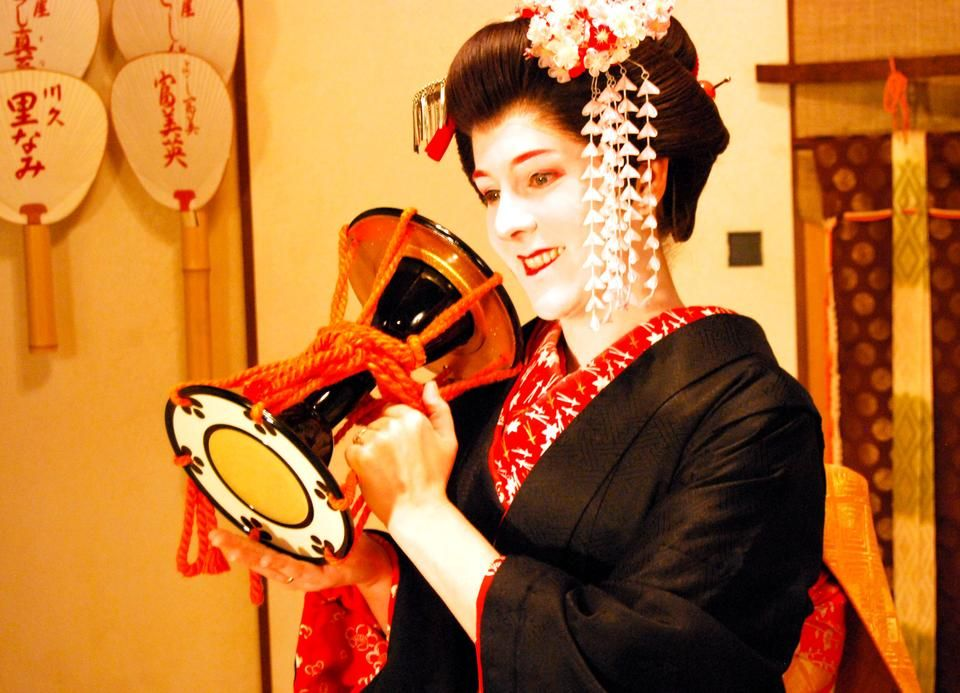 Blonde goes Geisha:  The Kyoto Shooting by Andreas H*
