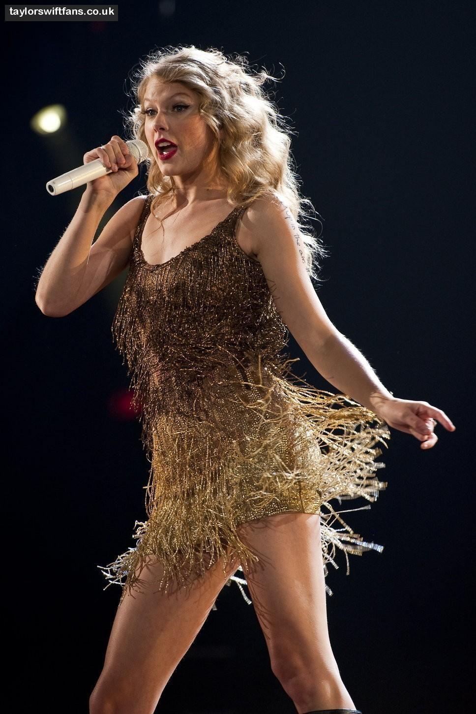Taylor Swift Sparks Fly Speak Now Tour Daedalusdrones Com
