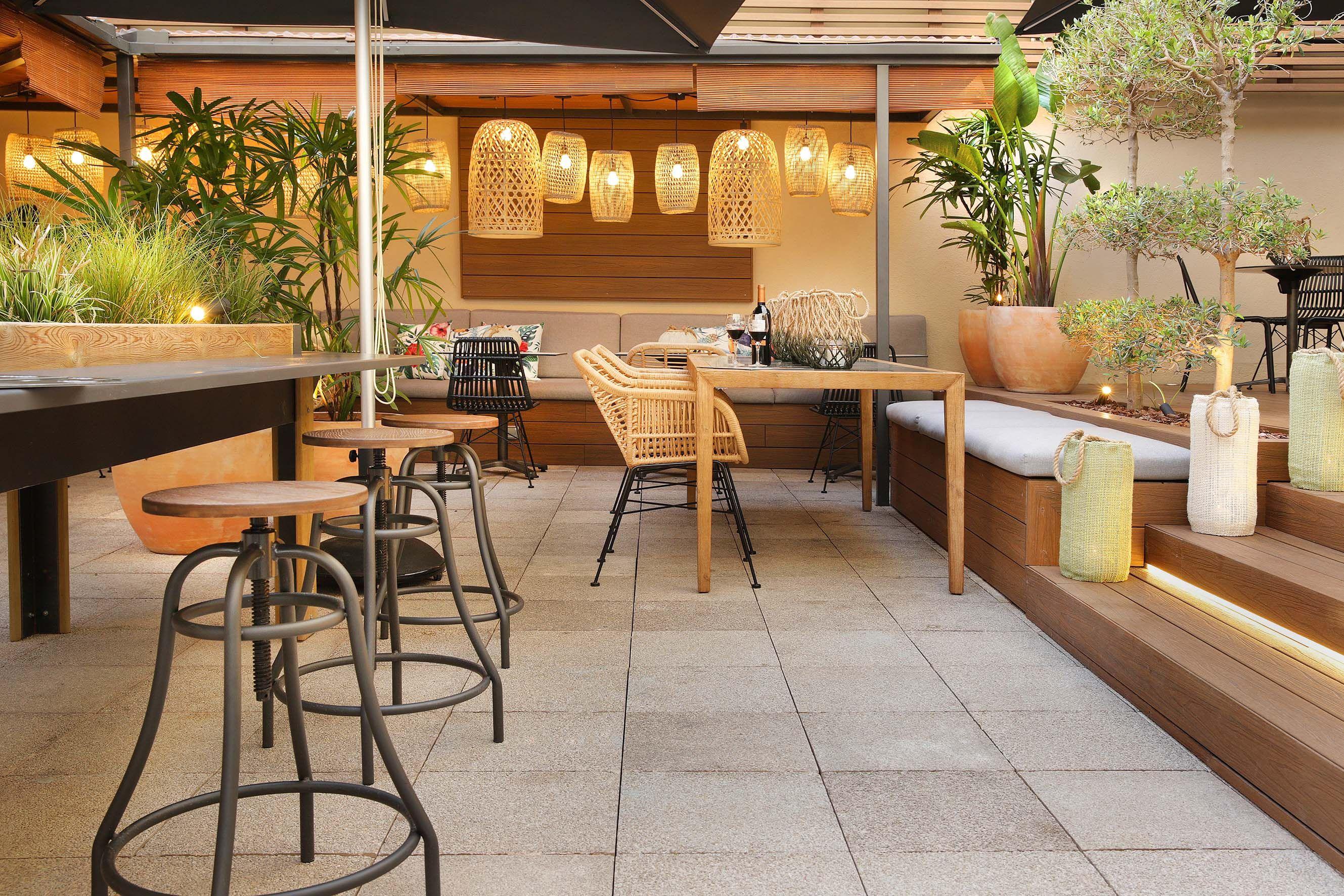 Home Diseño Del Restaurante Interiores Y La Huesped