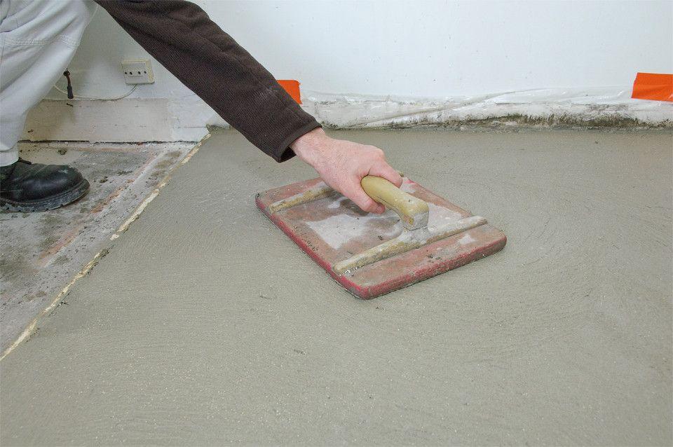 Comment Couler Une Chape De Ciment Sur Une Vieille Dalle En Beton Dalle Beton Mortier Chape Beton