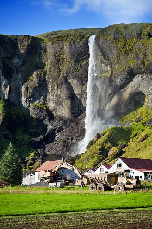 Waterfalling, Alaska