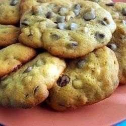 YUM! Walnut and Chocolate Chip Cookies