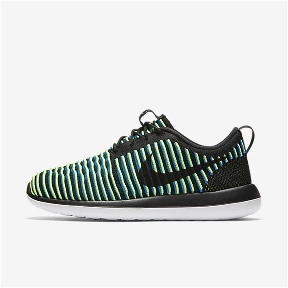 Nike Roshe Two Flyknit THE MINIMALIST ICON Simplicity redefined, the Nike Roshe  Two Flyknit Women's Shoe features breathable Nike Flyknit material and three