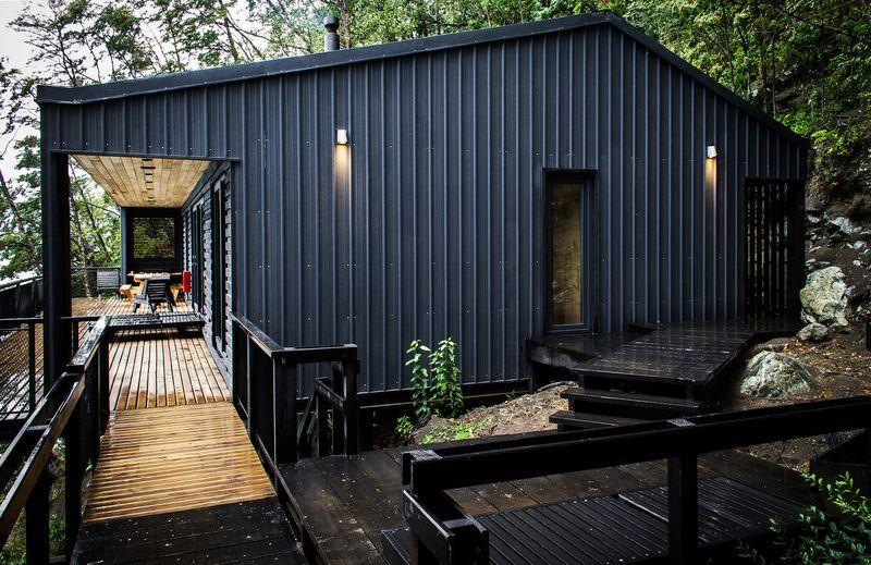 Charmant Étonnante Maison Sur Pilotis Camouflée Dans Les Bois Au Bord Du0027un Lac Au  Chili Bonnes Idees
