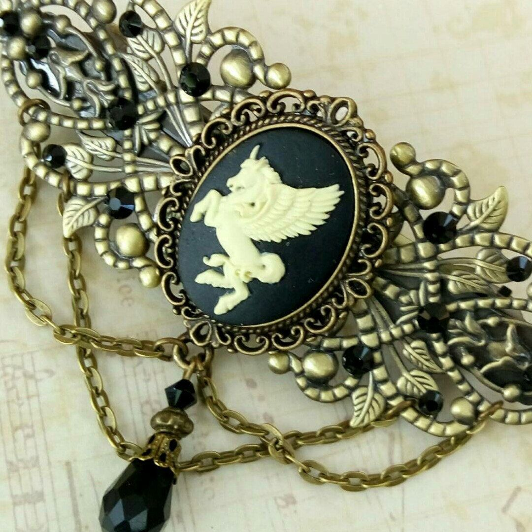Large fantasy cameo hair clip with Pegasus - New in my shop