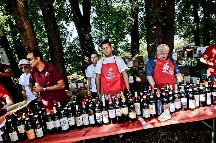 Wine tasting for Mangialonga La Morra