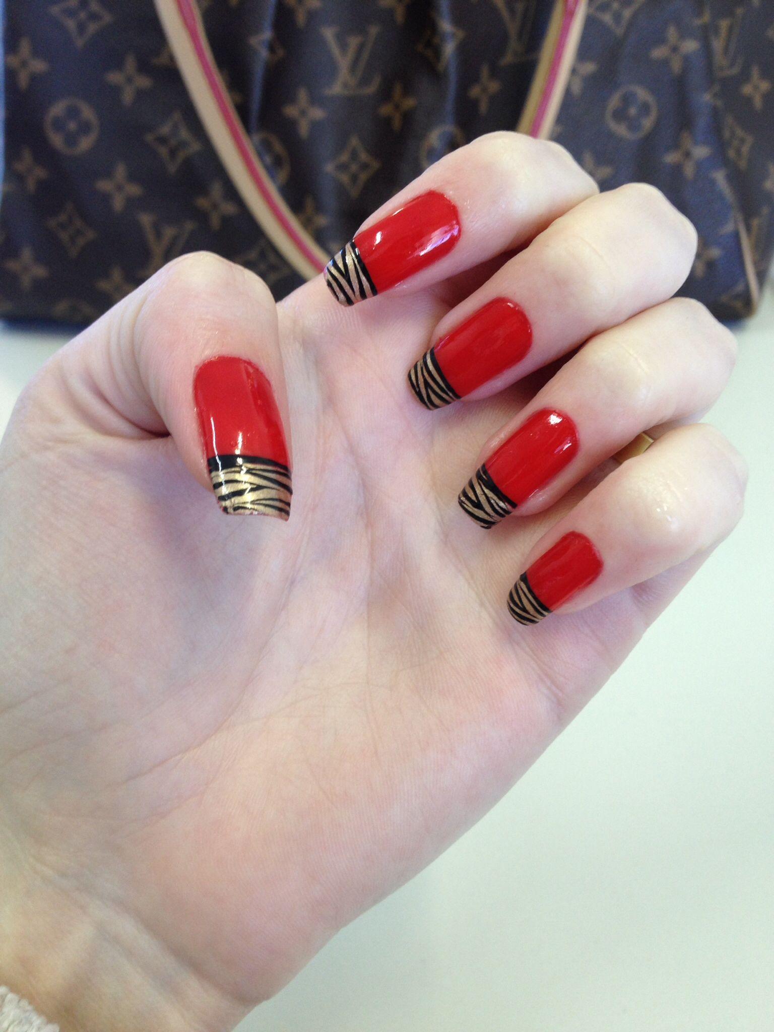 Unha vermelha decorada Unhas Decoradas Pinterest Unhas vermelhas, Unha e Vermelho # Decoracao Unhas Vermelhas