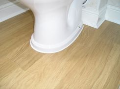 Fitting Laminate Flooring Around Toilets Sinks Vinyl Flooring Laying Vinyl Flooring Laminate Flooring