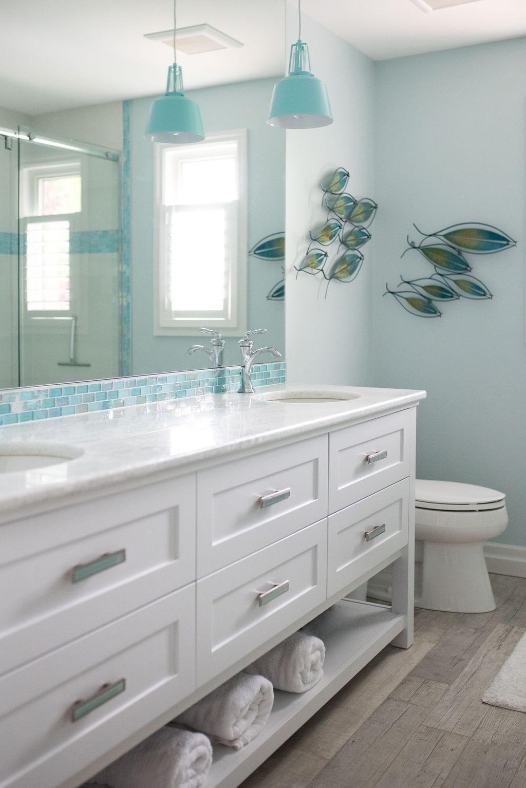 38 Awesome Coastal Style Bathroom Decorating Ideas Coastal Style Bathroom Beach Bathroom Decor Beachy Bathroom