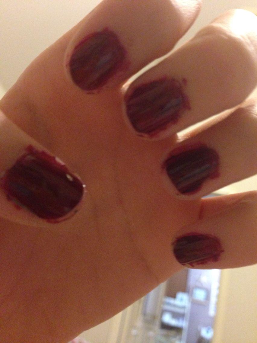 Maroon fall nails