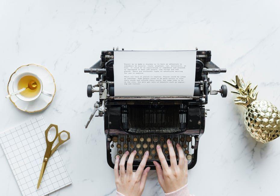 Mau Jadi Penulis Berikut 5 Cara Menulis Dengan Andal Menulis Novel Menulis Menjadi Penulis