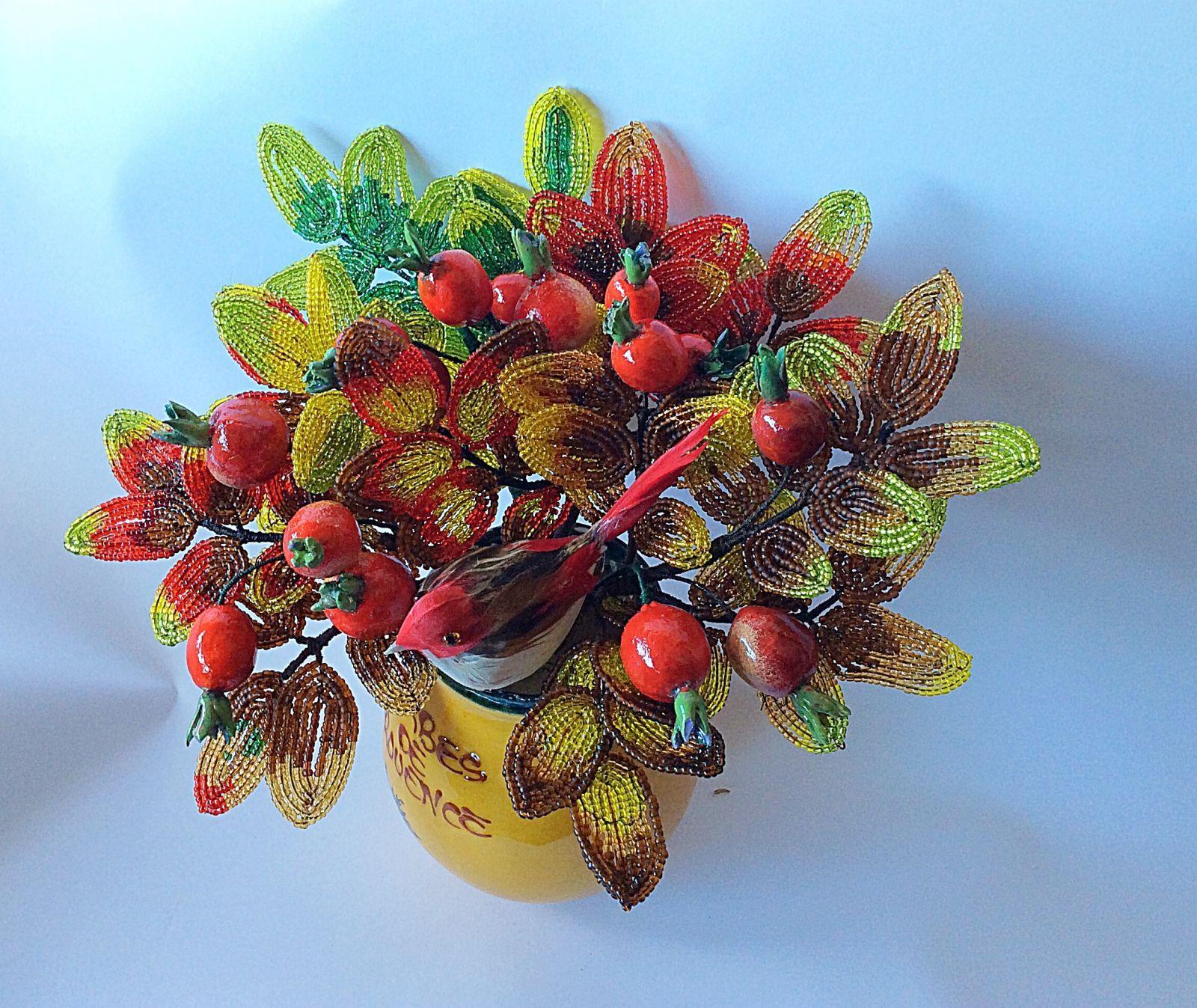 Осенний шиповник. | biser.info - всё о бисере и бисерном творчестве