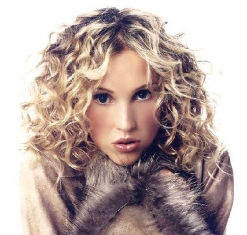 Medium Curly Hairstyles 2015